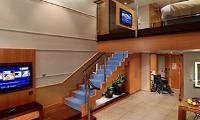 Crown Loft Suite w/Balcony (Some Accessible)